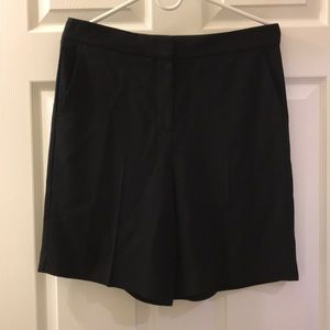 Size 10 💖 Theory Black Short Pants with Pockets